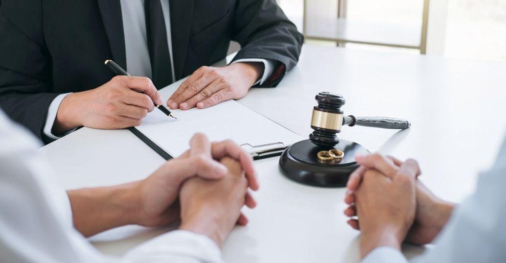 Pandemic divorce advice spike